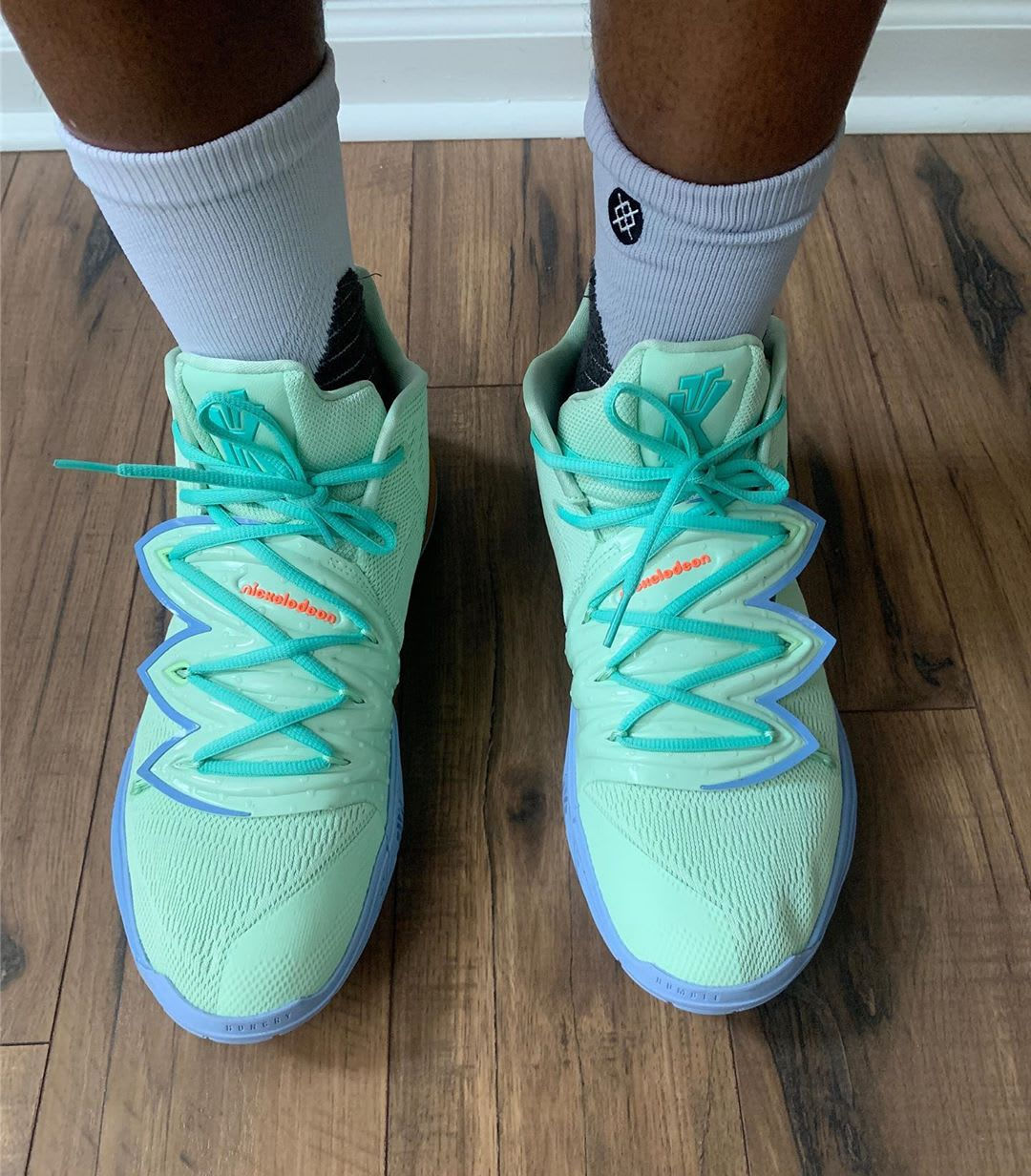 Nike Kyrie 5 Squidward Top