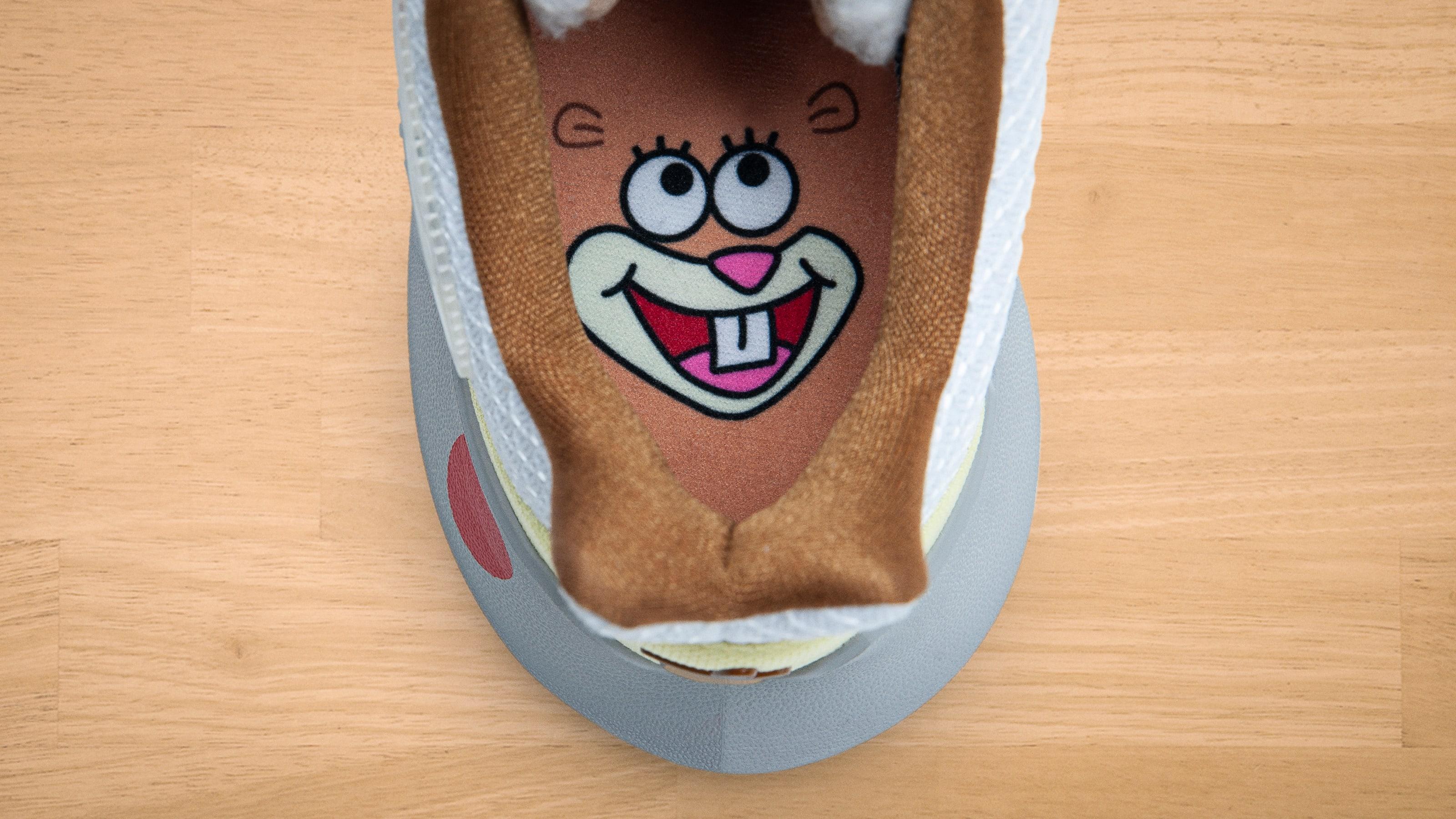 SpongeBob Squarepants x Nike Kyrie Low 2 'Sandy' (Insole)