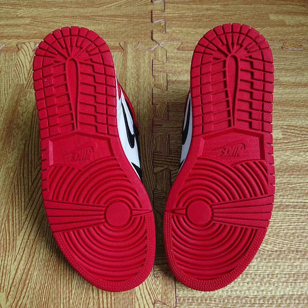 WMNS Air Jordan 1 'Satin Black Toe' (Bottom)