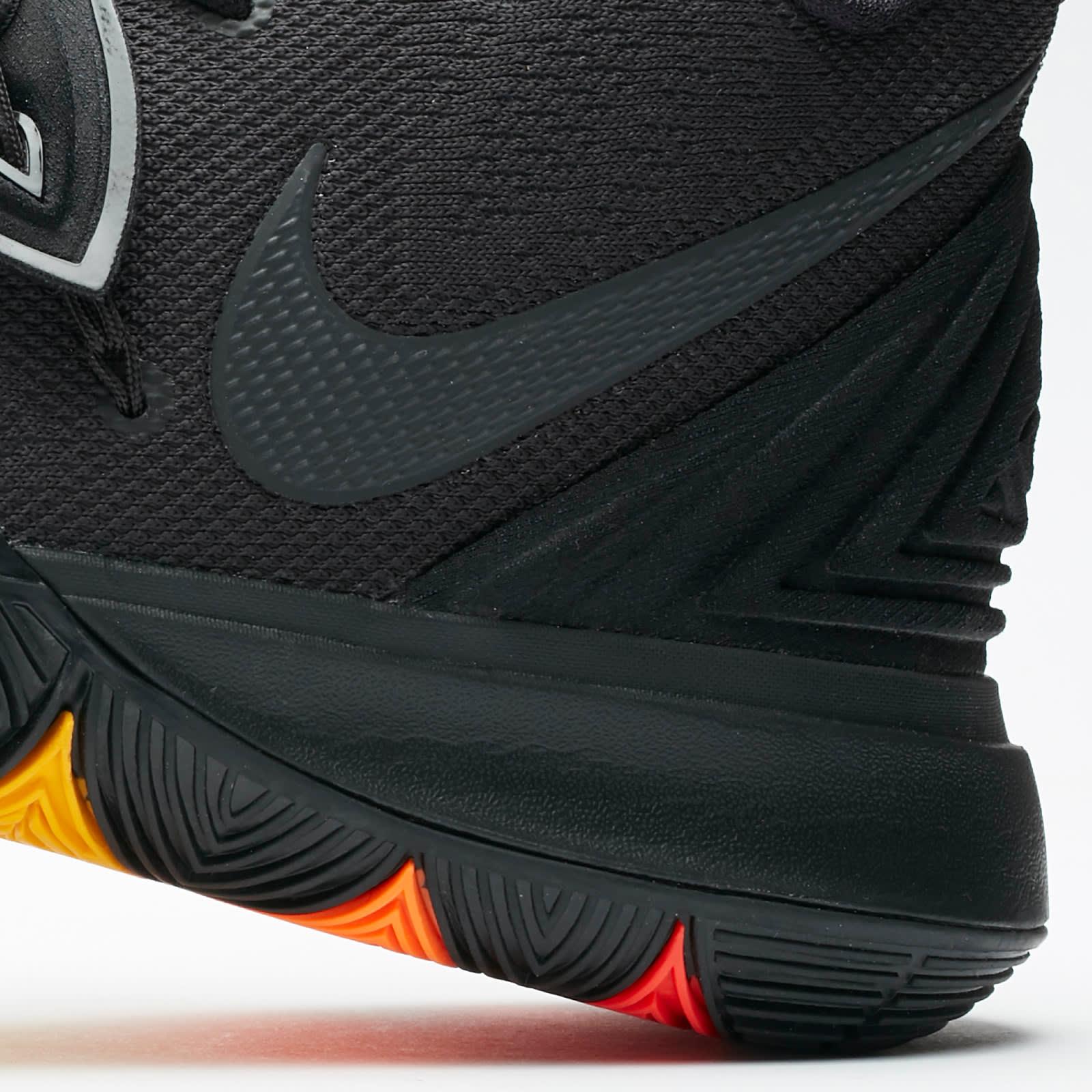 Nike Kyrie 5 Black Rainbow Release Date AO2918-001 Rear Midsole
