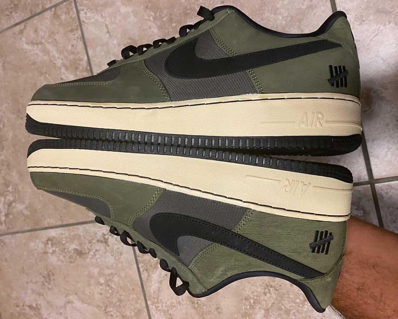 Undefeated x Nike Air Force 1 Low 'Dunk vs AF1' Latéral