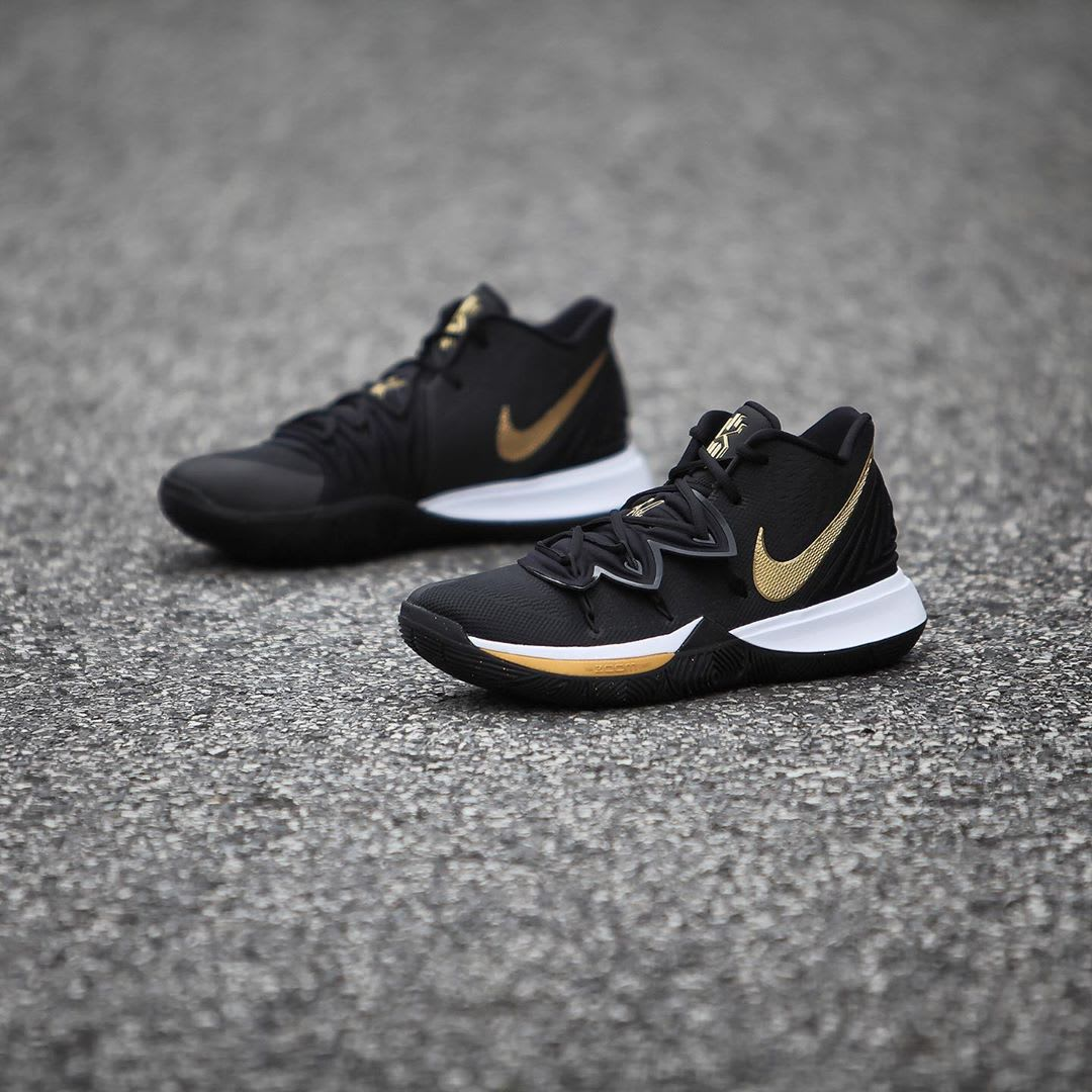 Nike Kyrie 5 Black Metallic Gold White Release Date AO2918-007 Side Inside