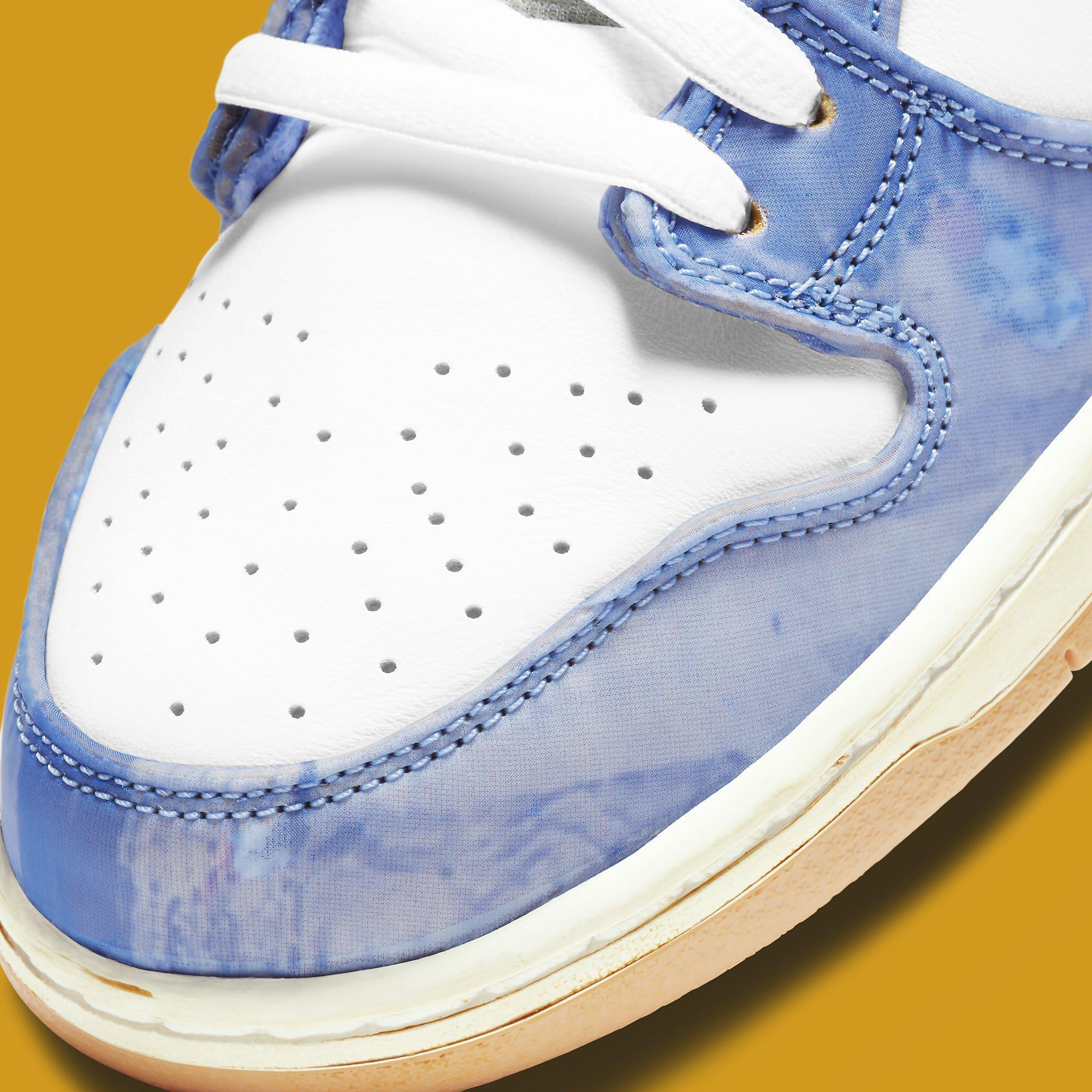 Carpet Company x Nike SB Dunk High CV1677-100 Toe