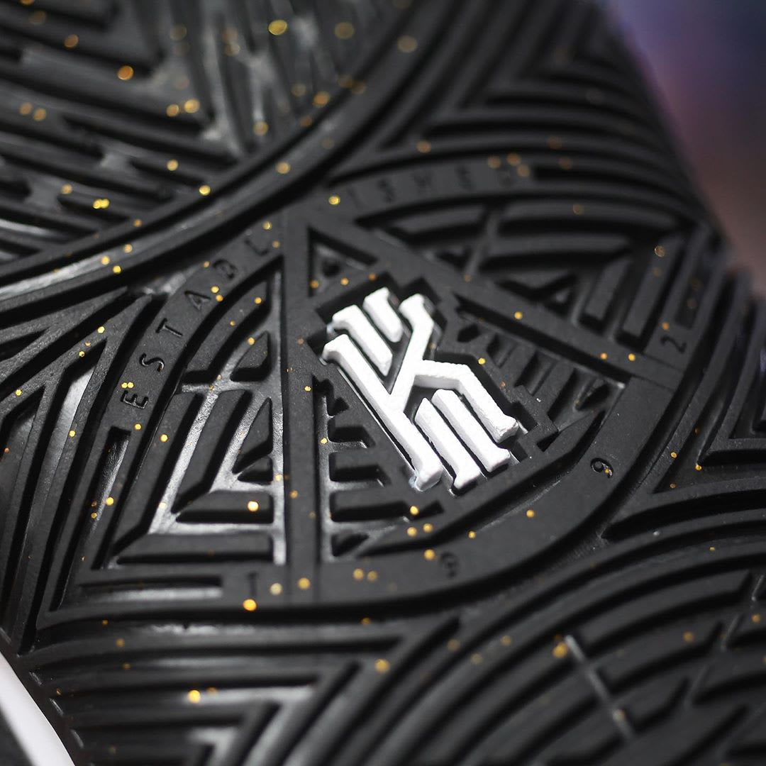 Nike Kyrie 5 Black Metallic Gold White Release Date AO2918-007 Outsole Logo