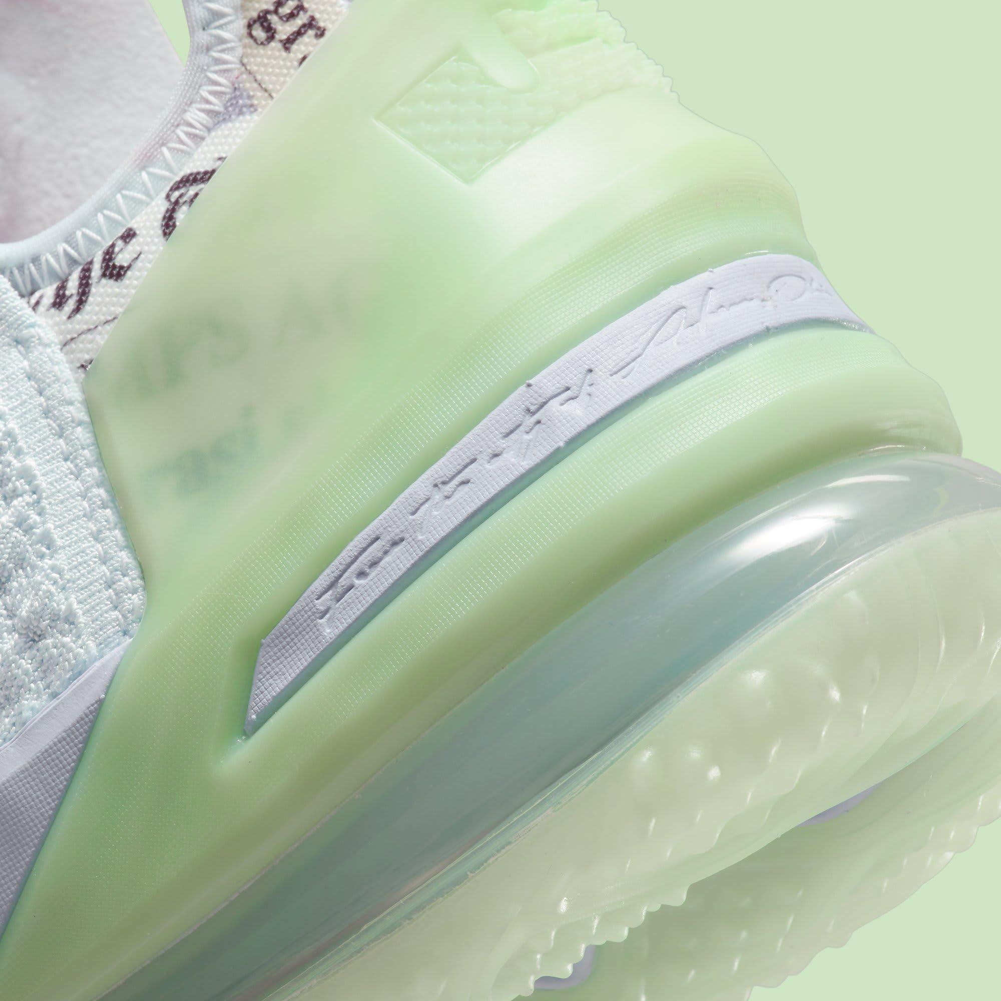 Diana Taurasi x Nike LeBron 18 PE CQ9283-401 Heel