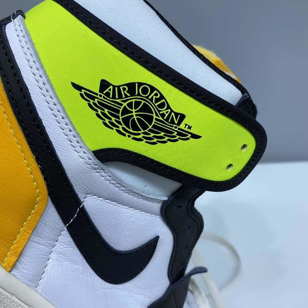 Air Jordan 1 Retro High OG 'Volt' 555088-118 Wings