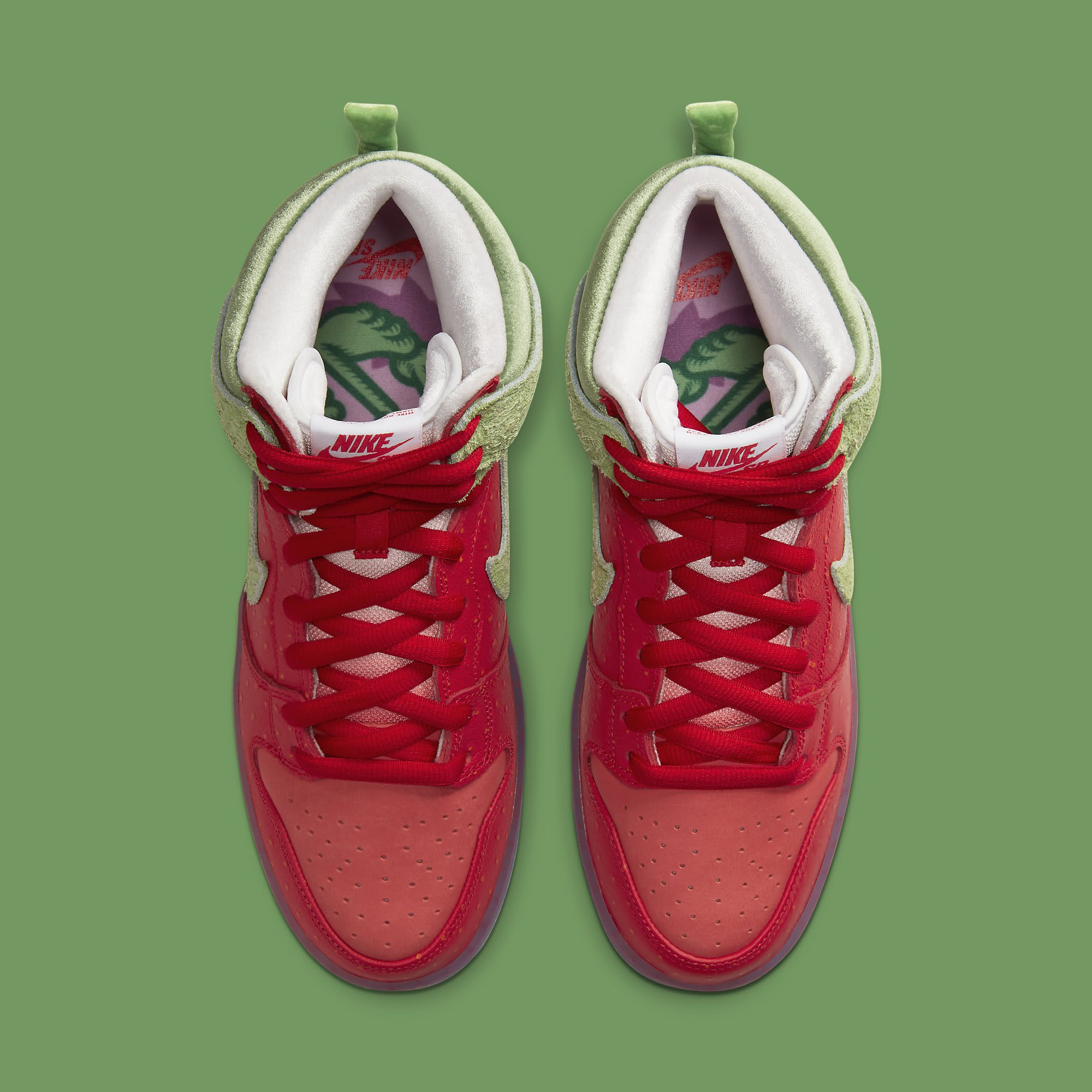 Strawberry Cough x Nike SB Dunk High SW7093-600 Release Date Top