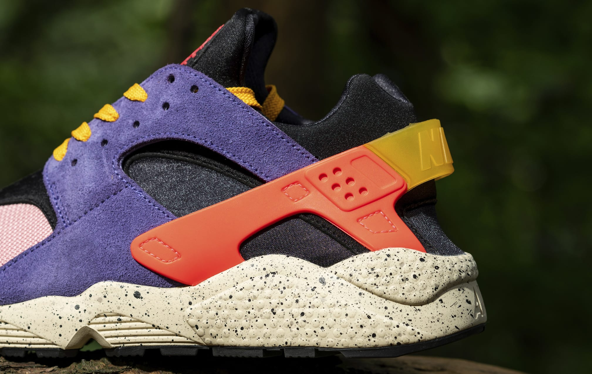 Size? x Nike Air Huarache DM9093-500 Heel