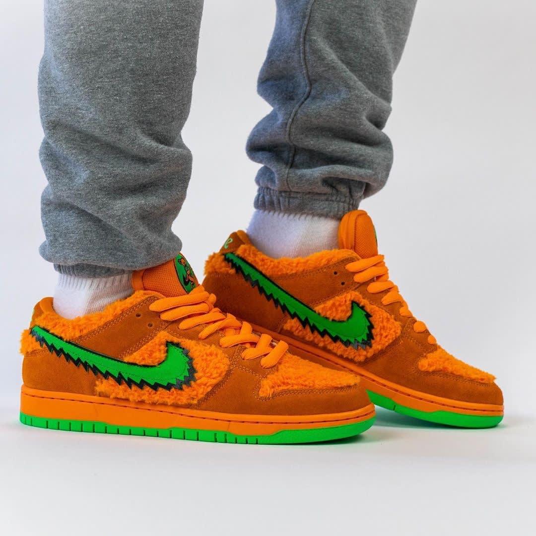 Grateful Dead x Nike SB Dunk Low Orange Release Date CJ5378-800 Right
